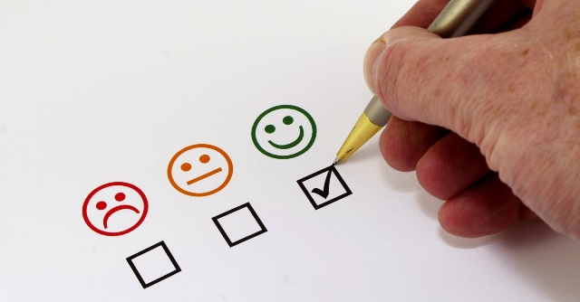 Estudiante – Participa en la Encuesta de Valoración Docente.